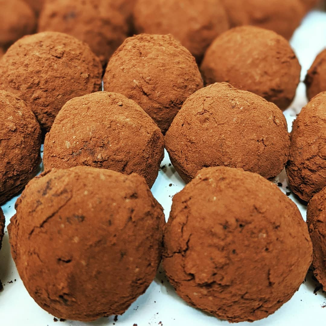 chocolate_manor_82837870_581494532430954