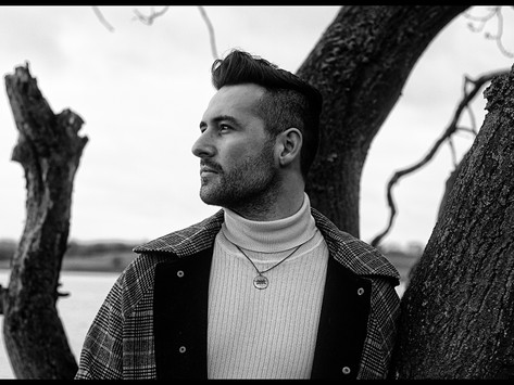 Championed for his distinctive vocal, GRAY reveals new release 'Blue in her Bones'
