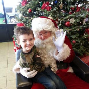 Take a picture with Santa.jpg