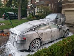 Tesla Model S, Range Rover Autobio