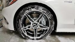 Mercedes Benz rim cleaning