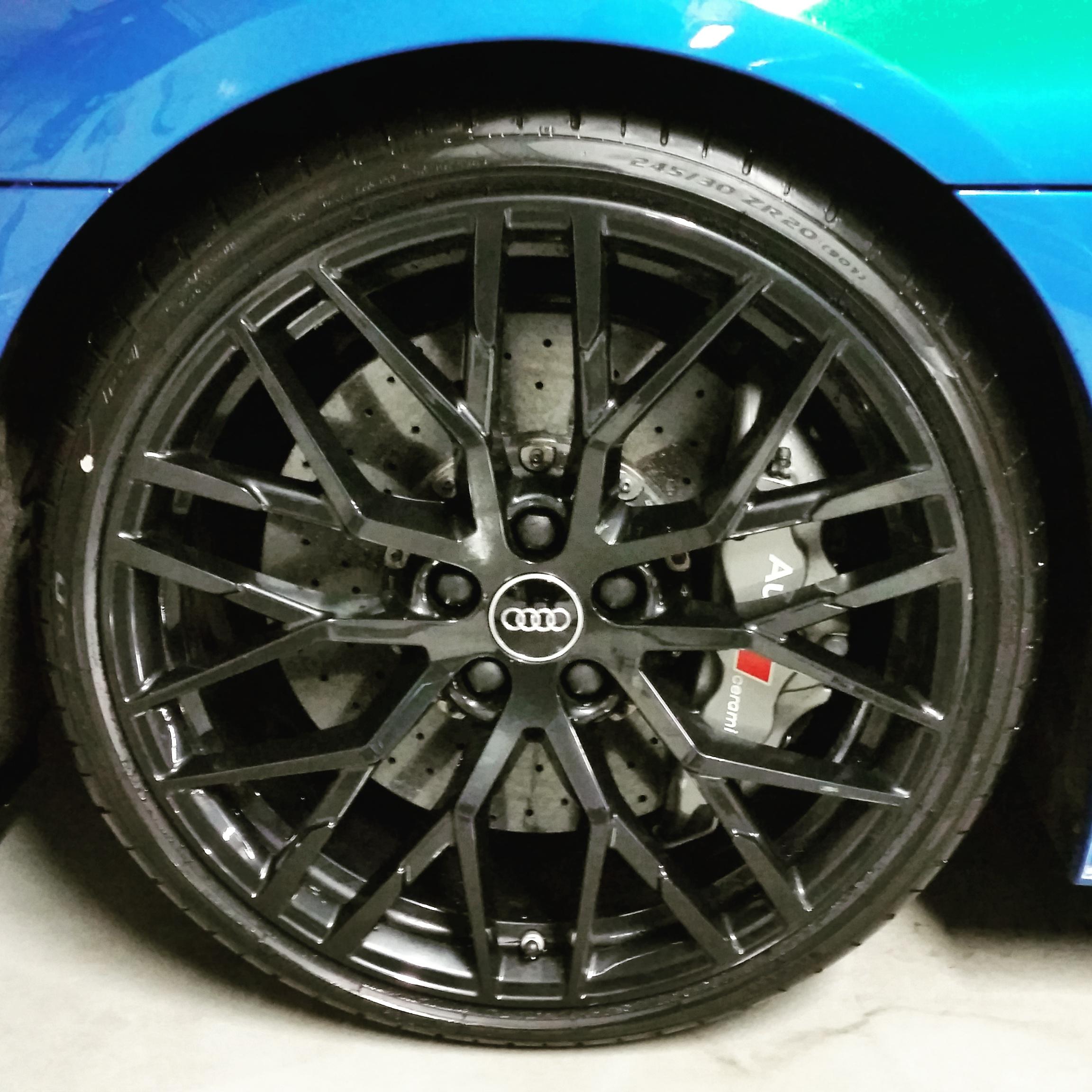 Audi R8 wheel