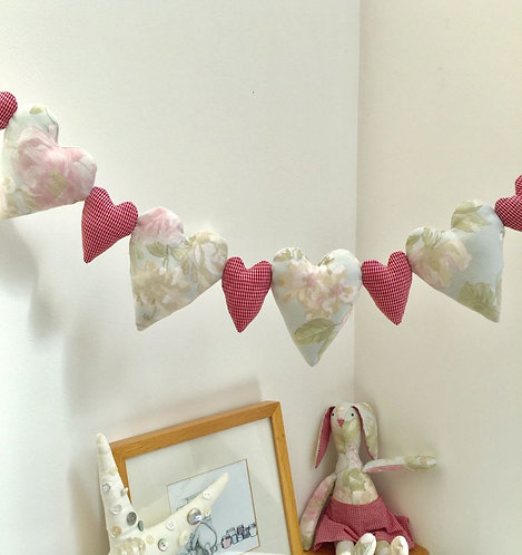 Heart Garland Decoration - Pink
