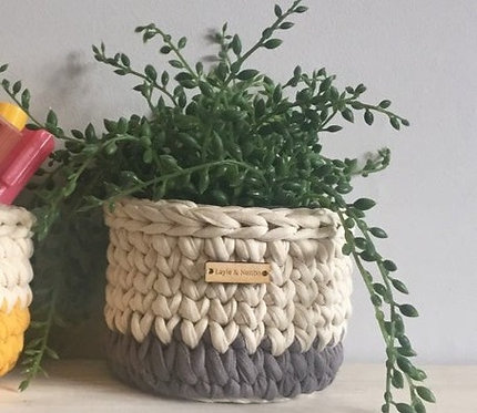 Small Crochet Pot in Grey and Cream