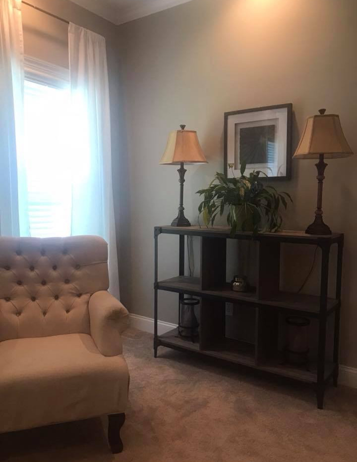 Belmont Master Bedroom Sitting Area
