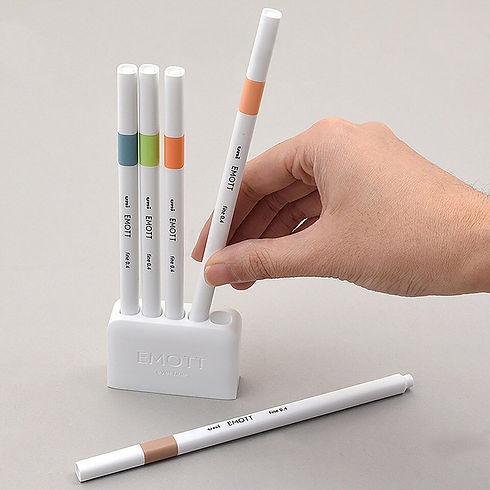 emott pen.jpg