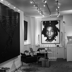 Proud to announce that you can now see my work in a gallery, rue du Faubourg St Honoré, in Paris
