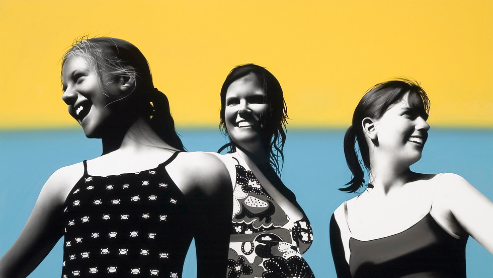 Beka, Steffanie and Abi with Aruban seascape