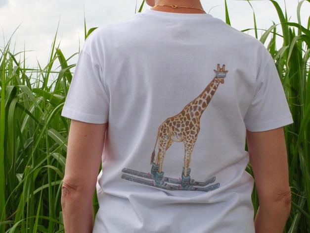 Unisex T-shirt, Giraffe Skiing £25