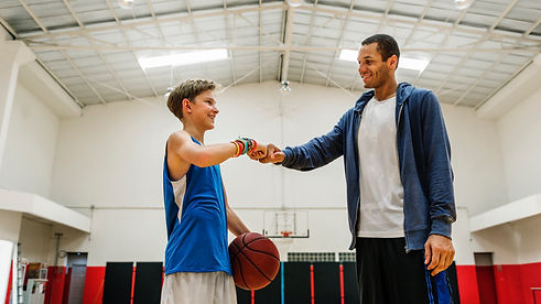 coach-team-athlete-basketball-bounce-spo