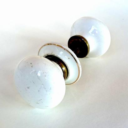 Porcelain round door handle £36