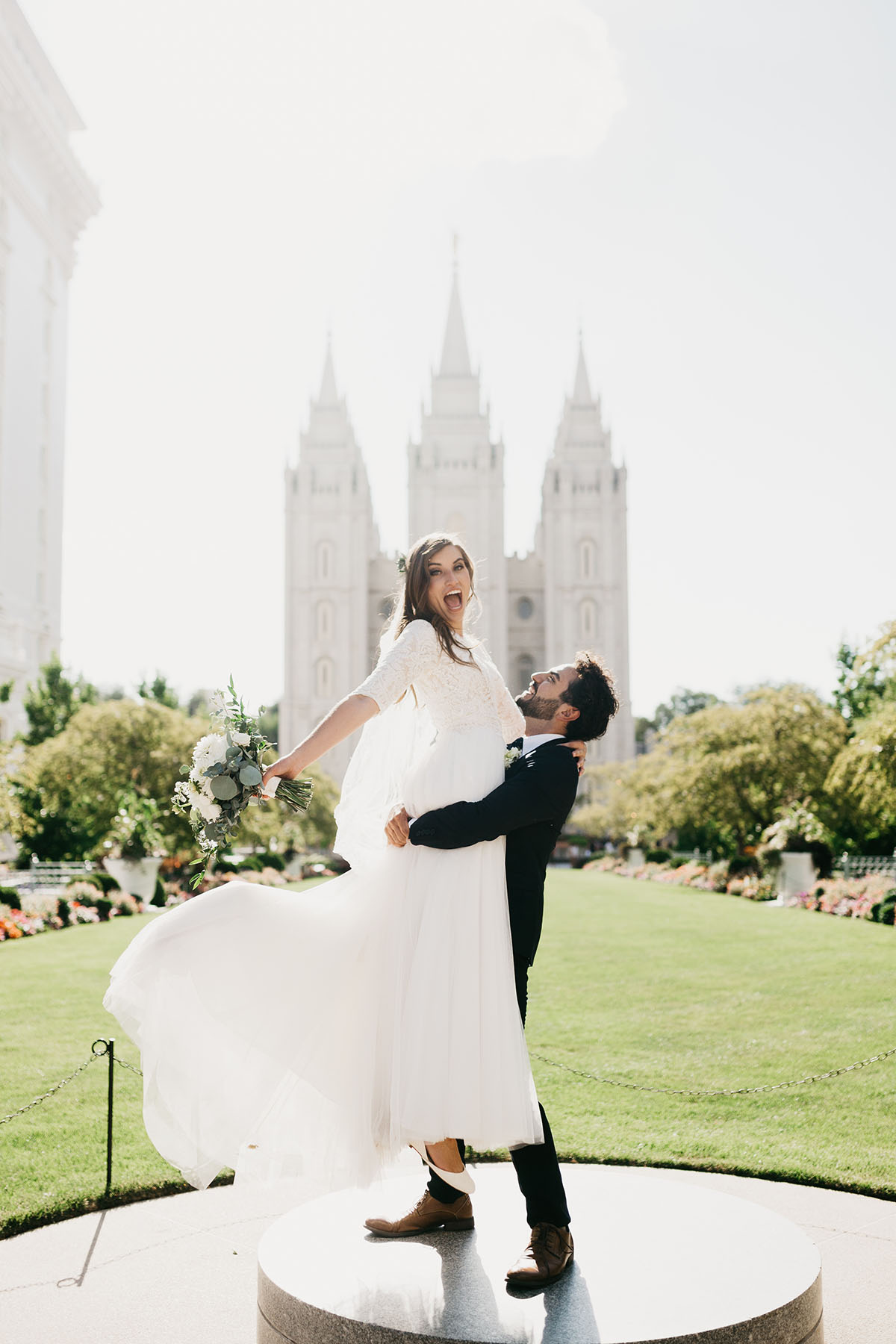salt-lake-temple-wedding-chloemichael-nicoleastonphoto-186