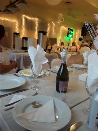 Plusieurs soirées dansantes incluant le repas sont organisées durant l'année.