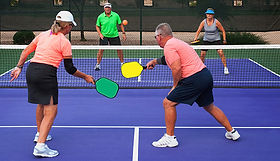 1140-couples-play-pickleball-age-friendl