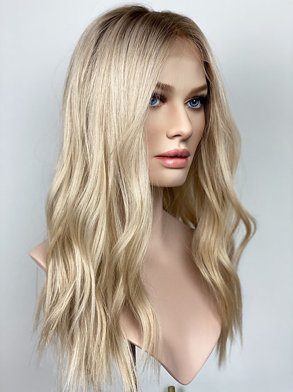 "Layna 19"" Wig (M)"