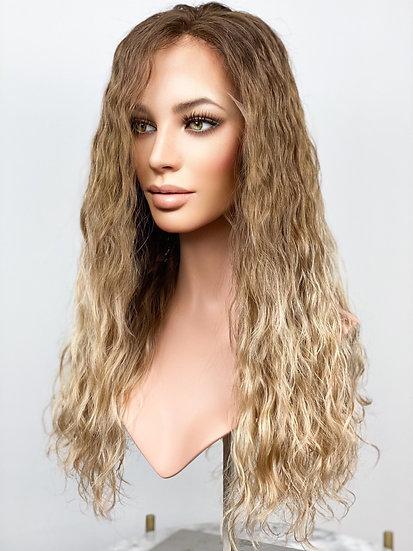 "Amanda 22"" Wig (M)"