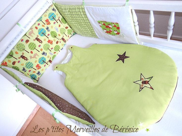 """Tour de lit & Gigoteuse """"Forêt"""" anis,choco,blanc"""