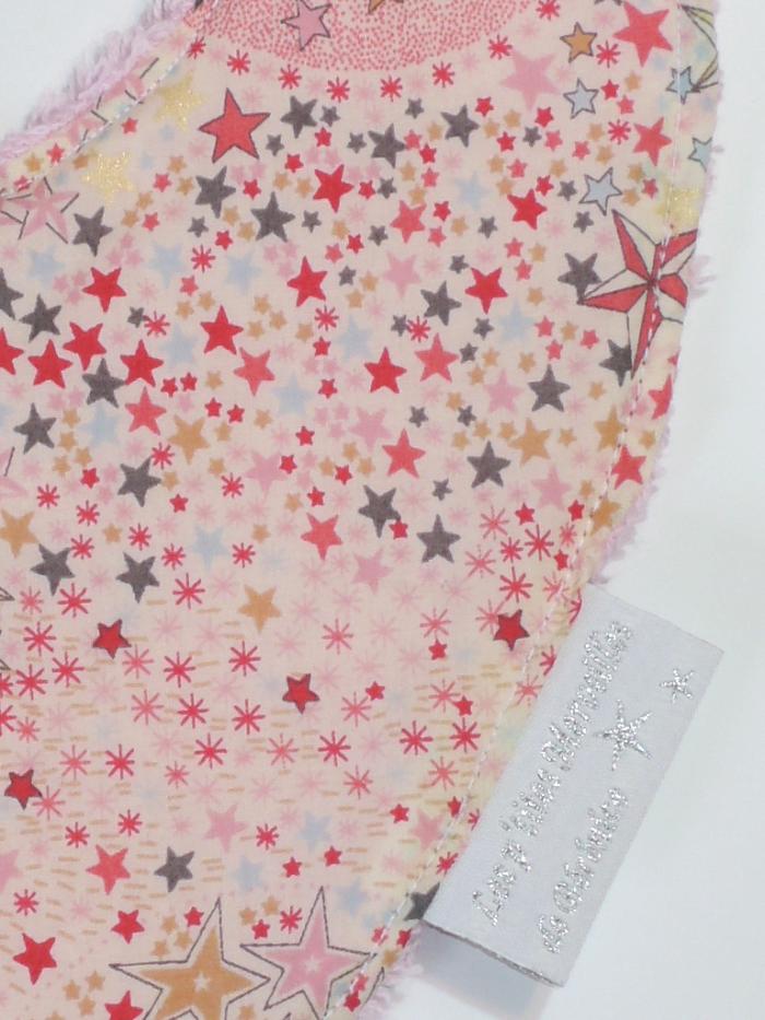 Bavoir bébé bandana Liberty Adelajda étoiles roses gris or exclu japonnais_détails