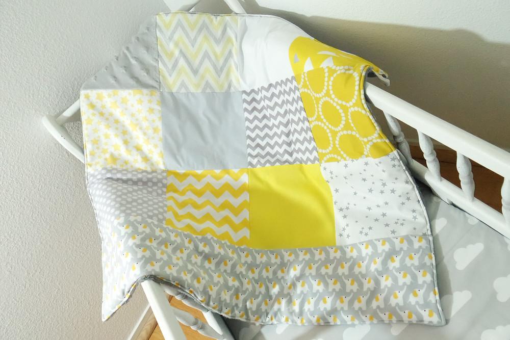 """Couverture bébé """"patchwork"""" jaune, gris, blanc """"king size""""_style scandinave"""