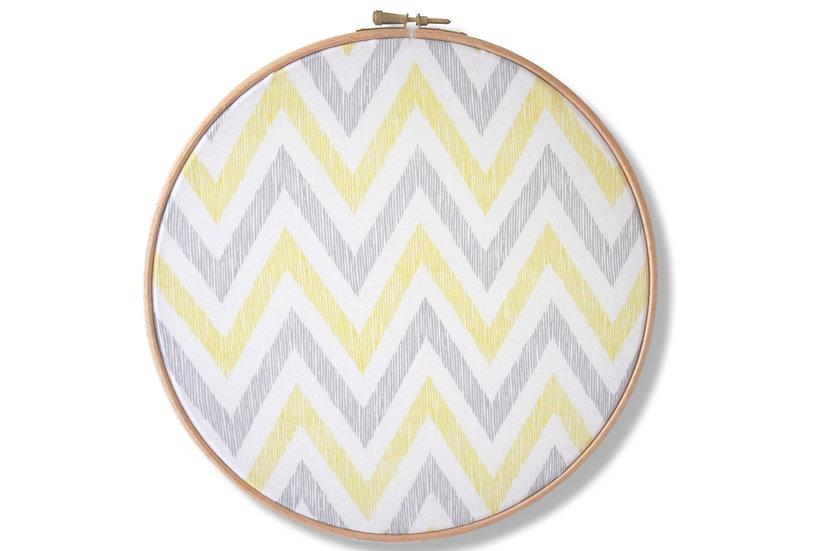 Cadre bois et tissu chevrons jaune, gris, blanc