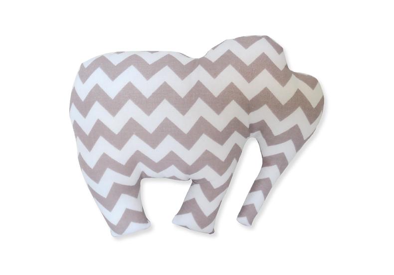Doudou éléphant gris et blanc à chevrons