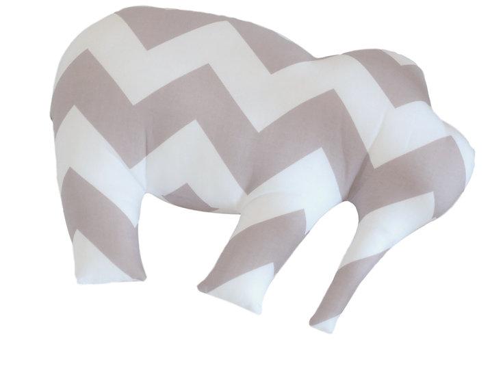 Coussin éléphant gris et blanc à chevrons