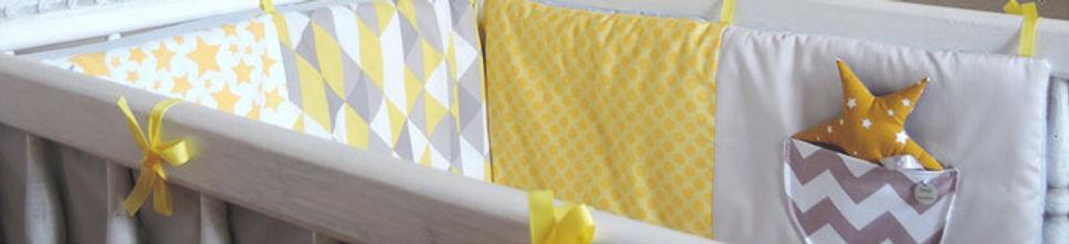 Tour de lit jaune, gris, blanc, motifs géométriques, style scandinave graphique