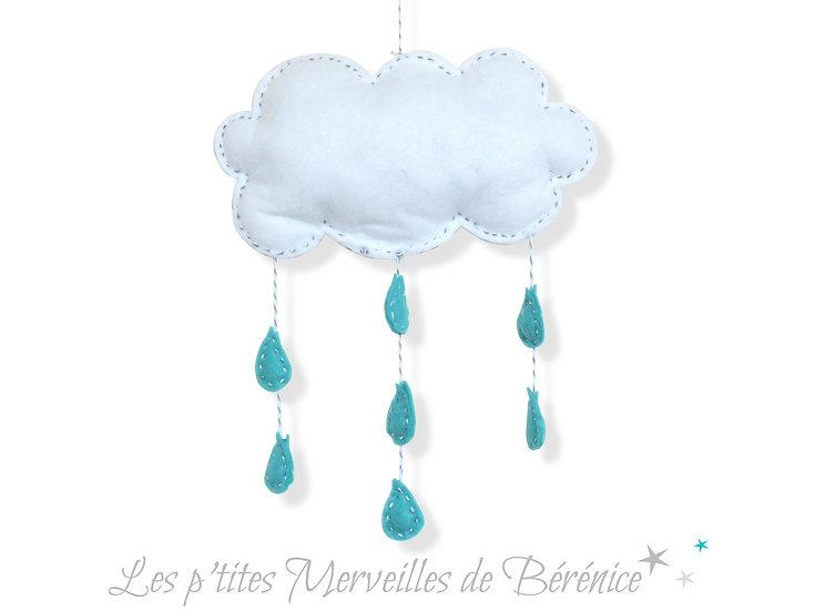 Mobile nuage blanc et gris et gouttes turquoises