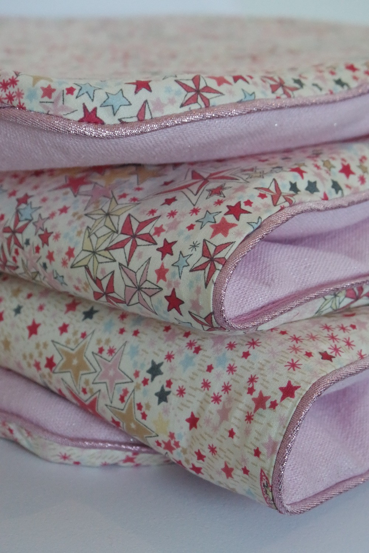 Couverture bébé Liberty Adelajda étoiles roses gris or exclu japonnais et lin rose irisé_détails côté