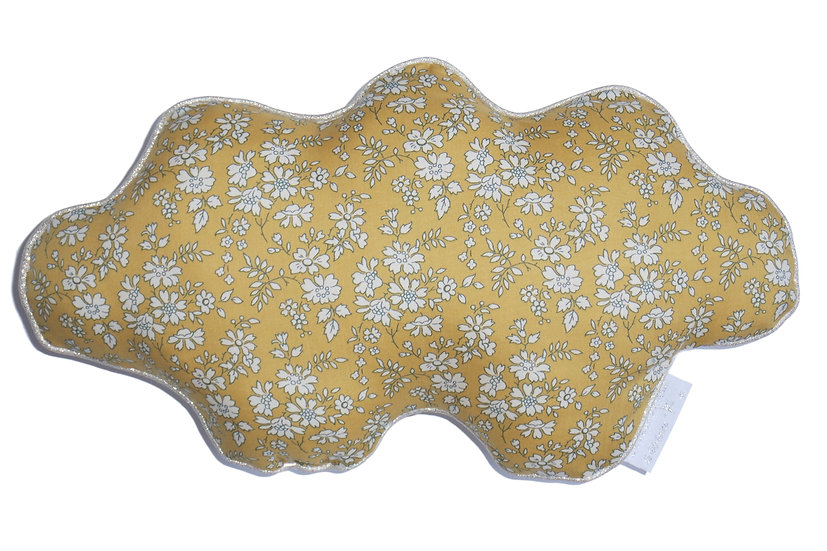 """Coussin """"nuage"""" Liberty Capel moutarde, blanc & or"""