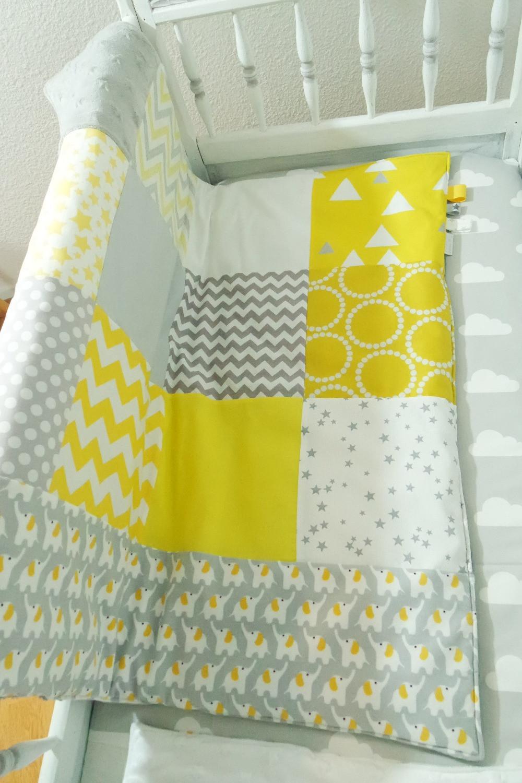 """Couverture bébé """"patchwork"""" jaune, gris, blanc """"king size""""_bis"""