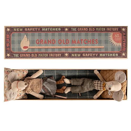 Maileg Grandma & Grandpa in Matchbox