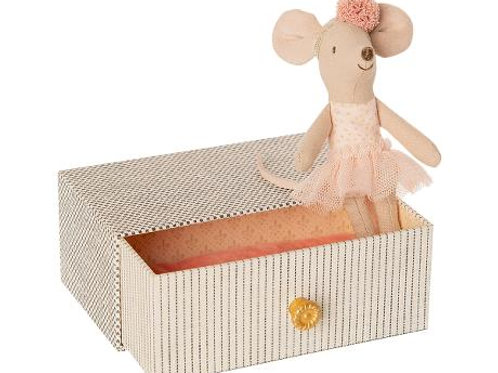Maileg Dancing Mouse in Daybed Little Sister