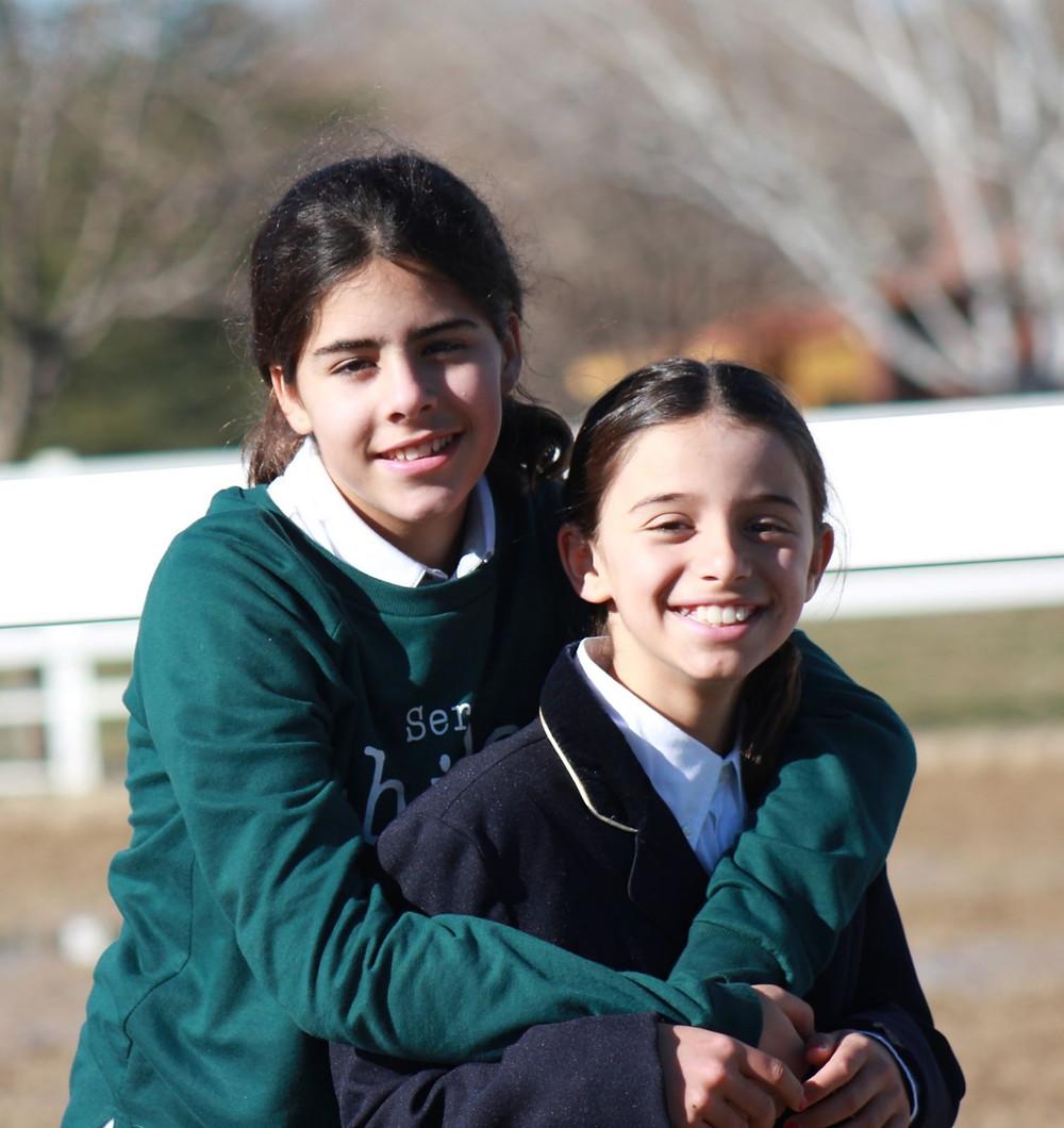 Ángela y Alicia, las más jóvenes del equipo Poniclub Valle Viñuelas