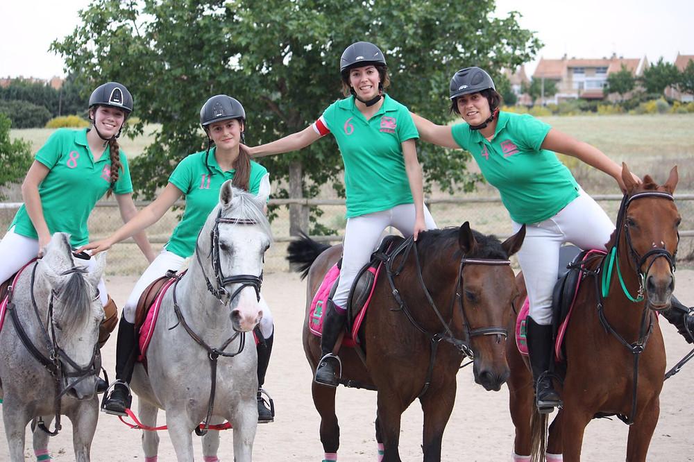 equipo de horseball femenino Valle Viñuelas