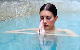 aqua-yoga-story-img_647_080515034225.jpg