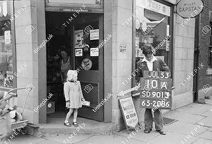 Corner shop at No 33 Milnrow Road