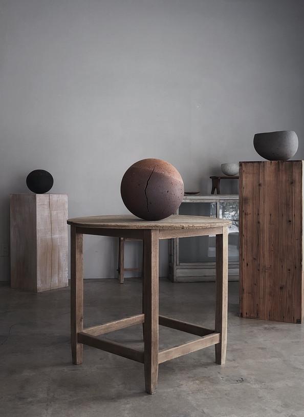渡辺隆之 『terleauboif - 球体の満ち欠け』展示風景