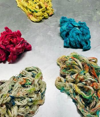 dyeing yarns