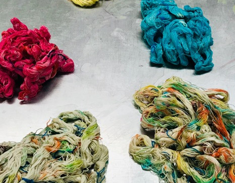 dyeing yarns