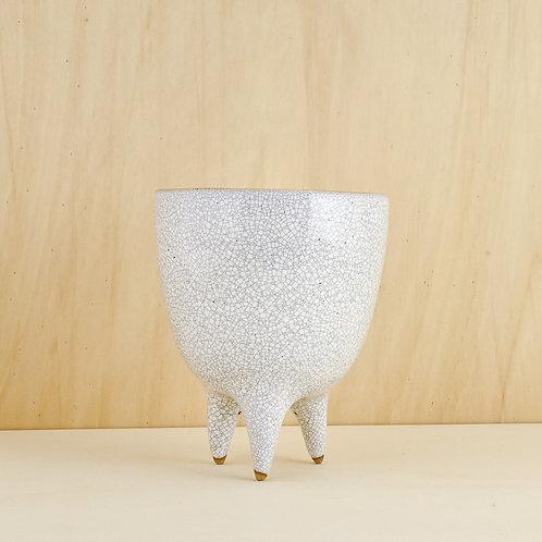 Bílá nohatá váza menší