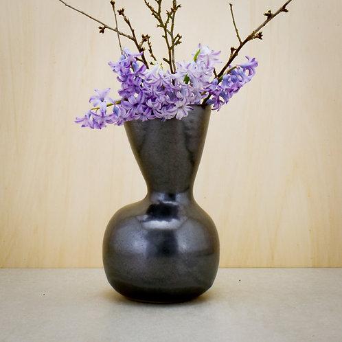 Černá váza II.