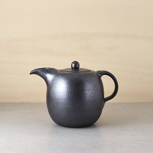Čajová konvice tmavá