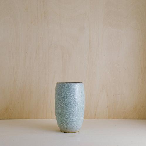 Váza se zelenkavou kraklovanou glazurou