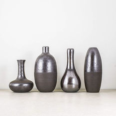 The new collection of dark vases with me