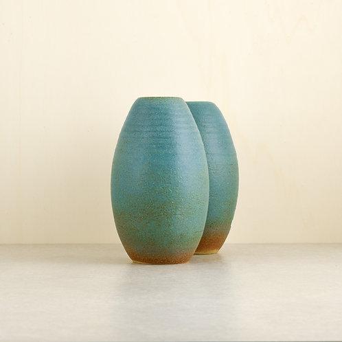 Tmavší tyrkysové vázy