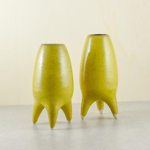 Žluté nohaté vázy (malé)