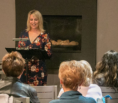 Shannon speaking at Coffin Ridge Winery, Oct. 2017