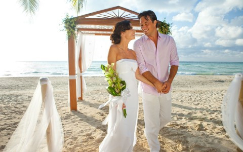 Beach Wedding at Couples Swept Away-59c5
