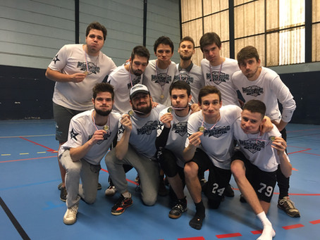 Le club des Magic Disc vice-champion de France Indoor d'Ultimate Frisbee !